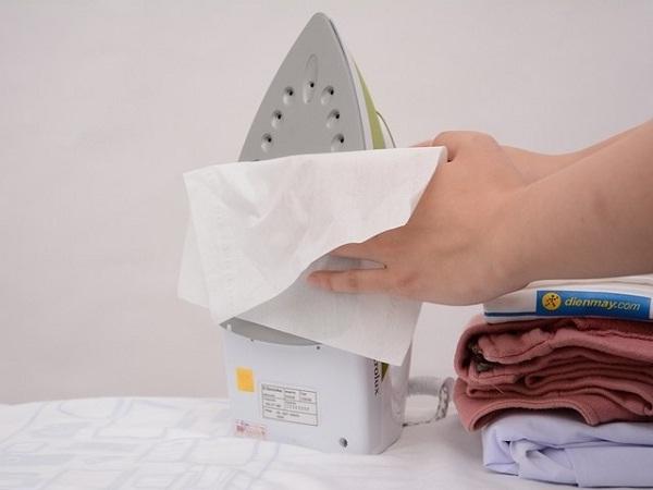 Vệ sinh bàn ủi - vệ sinh công nghiệp hà nội