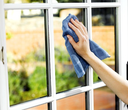 vệ sinh cửa kính